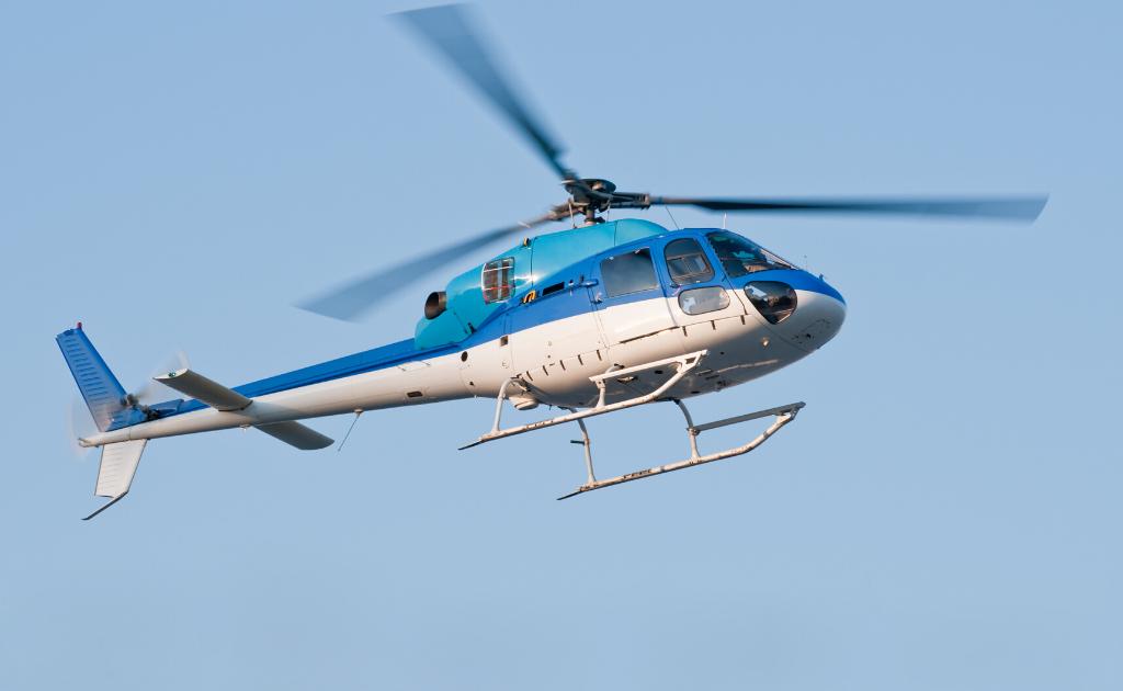 Deslocamentos e Passeios de Helicóptero